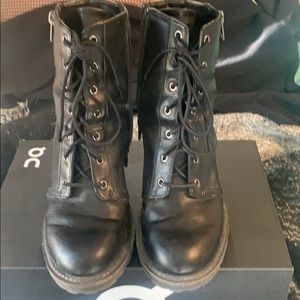Boots size 9.5
